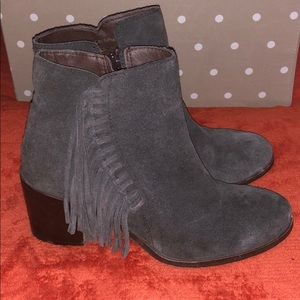 Reaction Kenneth Cole Charcoal Suede fringe boots